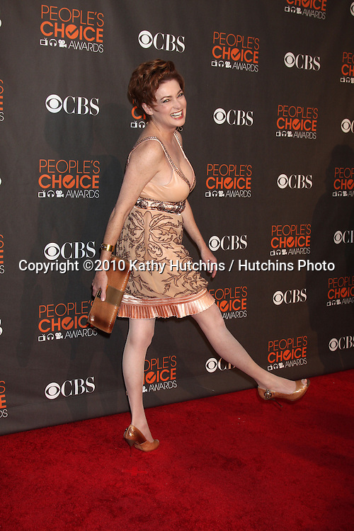 Carolyn Hennessy.arriving  at the 2010 People's Choice Awards.Nokia Theater.January 6, 2010.©2010 Kathy Hutchins / Hutchins Photo.