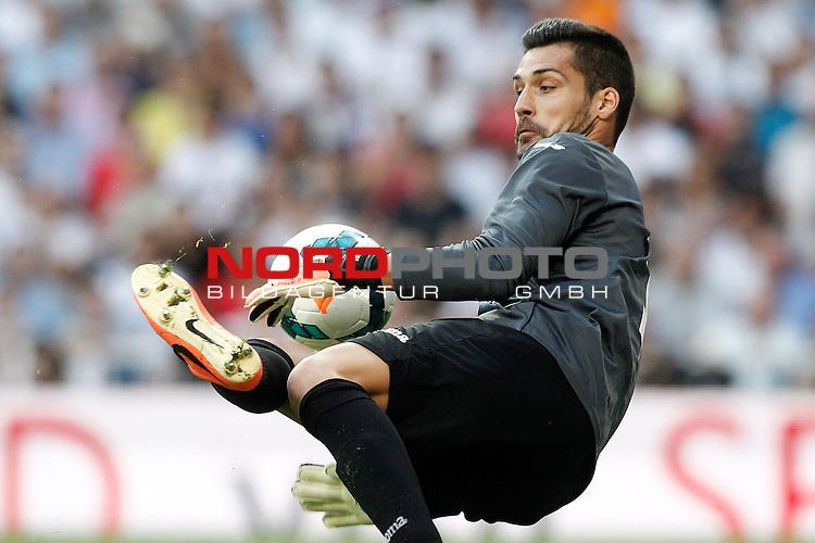 Getafe's Miguel Angel Moya during La Liga match.September 22,2013. Foto © nph / Acero)