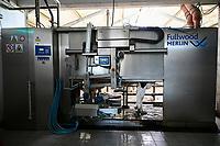 GERMANY, Echem, smart dairy cow milk farm, digitalization of agriculture, milking robot Fullwood Merlin / DEUTSCHLAND, Landwirtschaftlichen Bildungszentrum (EBZ) in Echem, Digitalisierung im Kuhstall und Melkstand, Melkroboter Fullwood Merlin