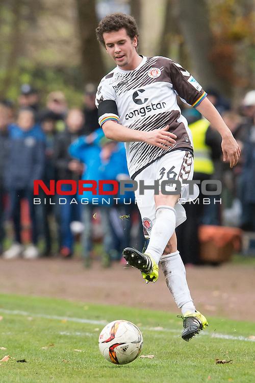 14.11.2015, Jahn Stadion, Dinklage, GER, FSP, VFL Osnabrueck vs 1. FC ST. Pauli, im Bild<br /> <br /> Okan Kurt (FC St. Pauli #36)<br /> Einzelaktion, Ganzk&ouml;rper / Ganzkoerper,<br /> <br /> entt&auml;uscht / enttaeuscht / traurig <br /> <br /> <br /> Foto &copy; nordphoto / Kokenge
