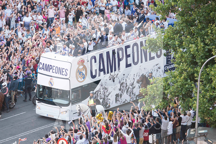 Real Madrid bus arrives to Cibeles during the celebration of the 13th UEFA Championship in Madrid, June 04, 2017. Spain.<br /> (ALTERPHOTOS/BorjaB.Hojas)