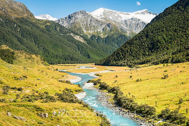Matukituki River in Matukituki Valley, Mount Aspiring National Park, Central Otago, UNESCO World Heritage Area, New Zealand, NZ