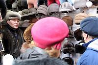 San Pietroburgo: un venditore di cappelli