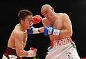 (L-R) ^¾¶--²?°/Takahiro Aou (JPN), Humberto Mauro Gutierrez (MEX),..APRIL 8, 2011 - Boxing :..Takahiro Aou of Japan in action against Humberto Mauro Gutierrez of Mexico during the WBC super featherweight title bout at World Memorial Hall in Kobe, Hyogo, Japan. (Photo by Mikio Nakai/AFLO)
