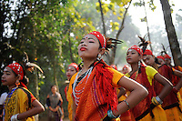 BANGLADESH Madhupur, Garo women dance at harvest festival Wangal, Garos is a ethnic and christian minority / BANGLADESCH Region Madhupur, Garo Frauen in traditioneller Kleidung tanzen zum Erntefest Wangala , Garo sind eine christliche u. ethnische Minderheit