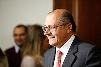 SAO PAULO, SP, 24 DE JUNHO DE 2013. ANUNCIO DO REAJUSTE ZERO DOS  PEDAGIOS. o Governador Geraldo Alckmin durante anuncio de que não haverá aumento dos pedágios e balsas, na manhã esta segunda feira no Palacio dos Bandeirantes. . A taxa de aumento dos pedágios deveria ser de 6%, mas o governo paulista arcará com este aumento para não onerar a população do estado. FOTO ADRIANA SPACA/BRAZIL PHOTO PRESS