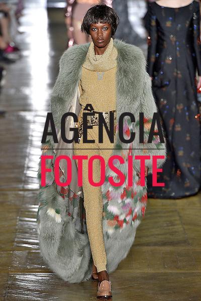 Ulyana Sergeenko-<br /> Alta Costura- Paris -Inverno 2016-<br /> Julho 2016<br /> <br /> foto: FOTOSITE