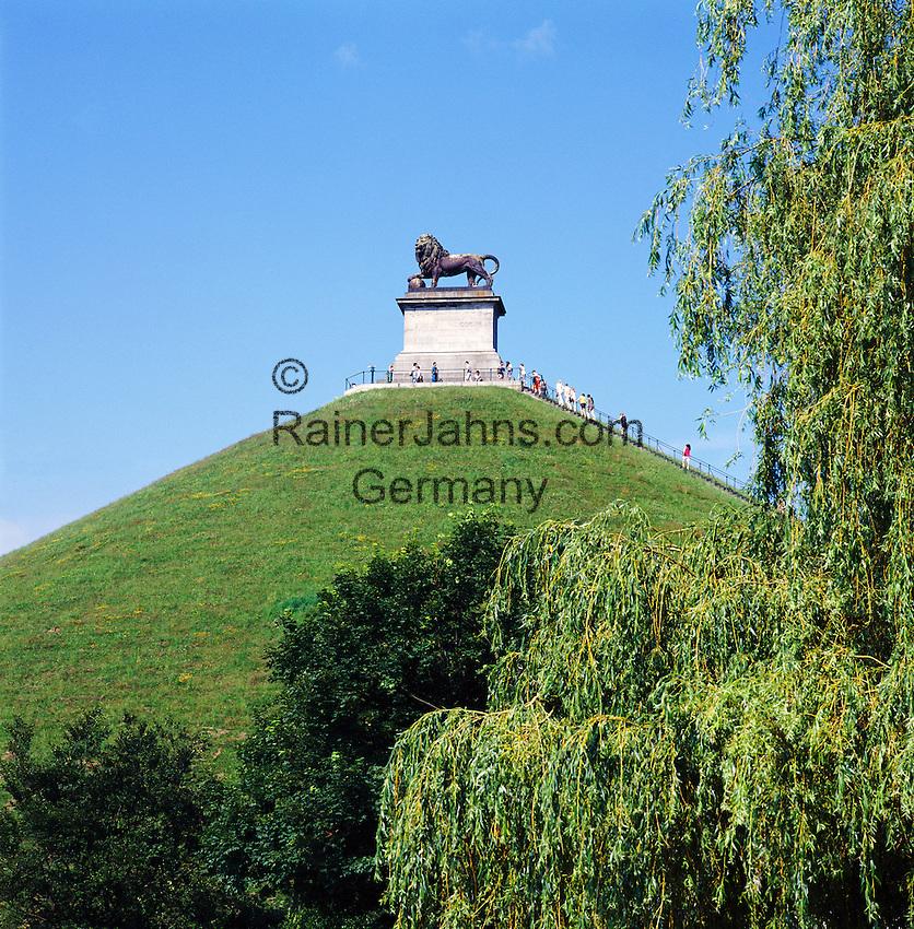 Belgium, Province Walloon Brabant, Waterloo: Butte du Lion monument on the Waterloo battlefield   Belgien, Provinz Wallonisch-Brabant, Waterloo: Loewenhuegel, der Loewe von Waterloo, Wahrzeichen in der Nachbargemeinde Braine-l'Alleud