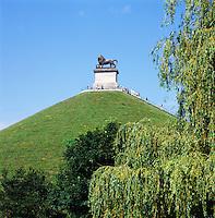 Belgium, Province Walloon Brabant, Waterloo: Butte du Lion monument on the Waterloo battlefield | Belgien, Provinz Wallonisch-Brabant, Waterloo: Loewenhuegel, der Loewe von Waterloo, Wahrzeichen in der Nachbargemeinde Braine-l'Alleud