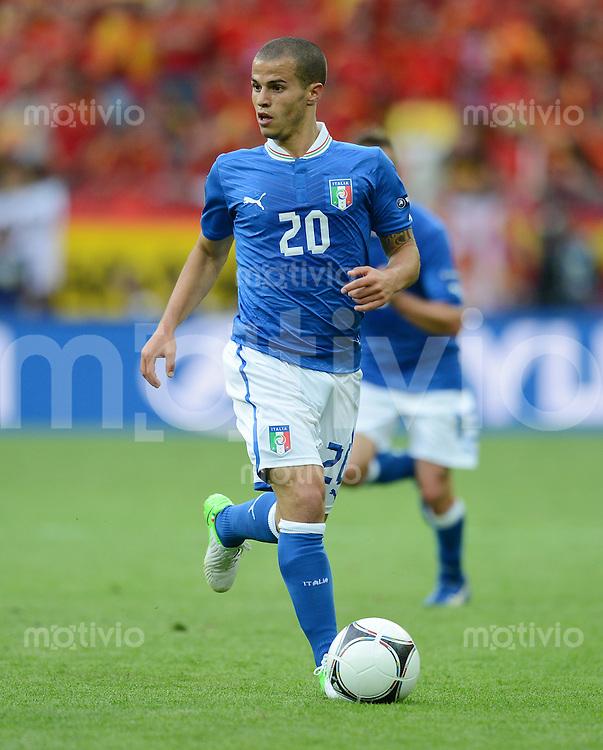 FUSSBALL  EUROPAMEISTERSCHAFT 2012   VORRUNDE Spanien - Italien            10.06.2012 Sebastian Giovinco (Italien) Einzelaktion am Ball