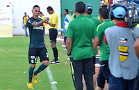 MONTERIA - COLOMBIA - 13-04-2015: Alcatraz Garcia jugador de Atlético Nacional celebra un gol durante partido entre Jaguares FC y Atlético Nacional por la fecha 15 de la Liga Aguila I 2015 jugado en el estadio Municipal de Monteria. / Mauricio Gonzalez (L) player of Jaguares FC vies for the ball with xxx (R) player of Atletico Nacional during a match between Jaguares FC and Atletico Nacional for the  date 15 of the Liga Aguila I 2015 at the Municipal de Monteria Stadium in Monteria city, Photo: VizzorImage / Jose Perdomo / Cont.