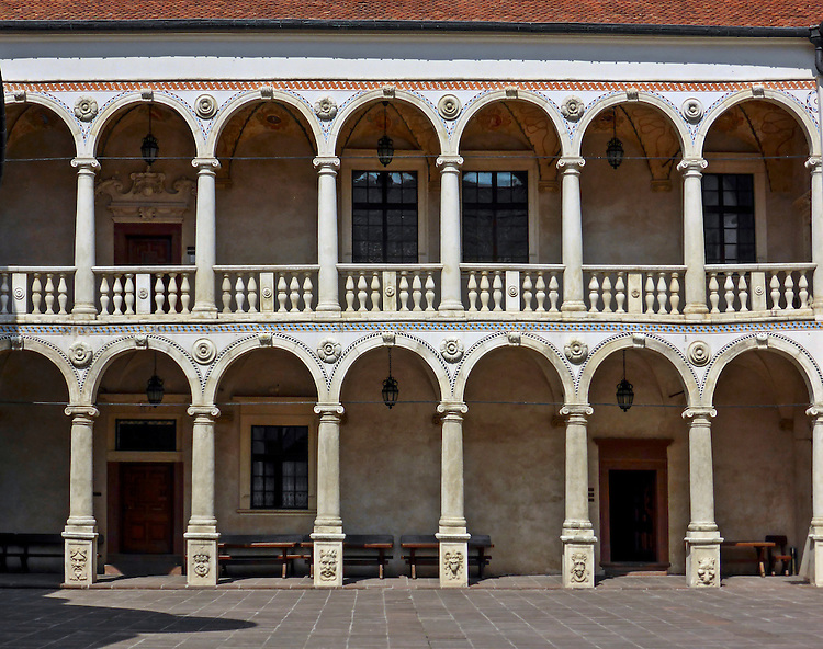 2013-05-15. Renesansowy zamek z XVI- XVII w. Baranów Sandomierski
