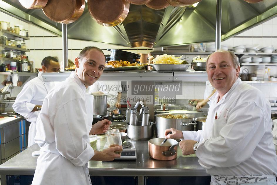 """Europe/France/Rhone-Alpes/73/Savoie/St-Marcel: René Meilleur et son fils  Maxime  en cuisine   Hotel-restaurant """"La Bouitte"""""""