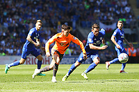 Tommy Elphick of Reading is marked by Craig Bryson of Cardiff City during the Sky Bet Championship match between Cardiff City and Reading at The Cardiff City Stadium, Wales, UK. Sunday 06 May 2018