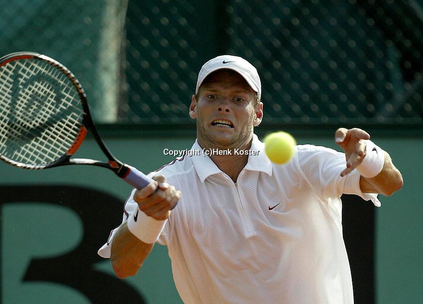 20030527, Paris, Tennis, Roland Garros, Sjeng Schalken in zijn gewonnen partij tegen Draper