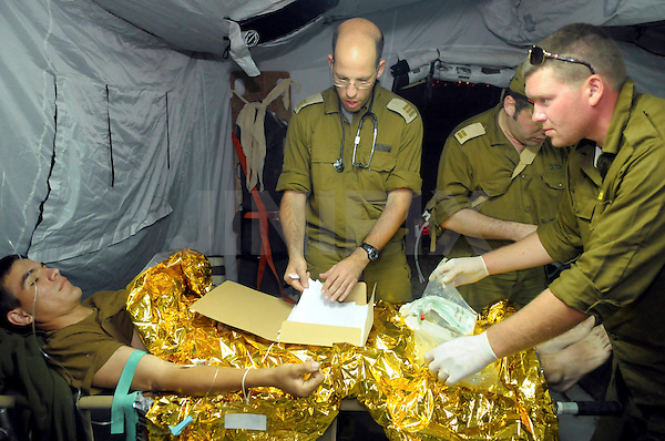 A millitery medical excrcise was held today at Elyakim base in northern Israel,Wednesday November 11 2009.The drill immitated the deployment of a field hospital. Photo By: Tomer Neuberg- JINI - ISRAEL OUT -