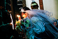 ROMANIA / Maramures / Budesti / 23.09.2006 ..A traditional wedding procession. ..© Davin Ellicson / Anzenberger