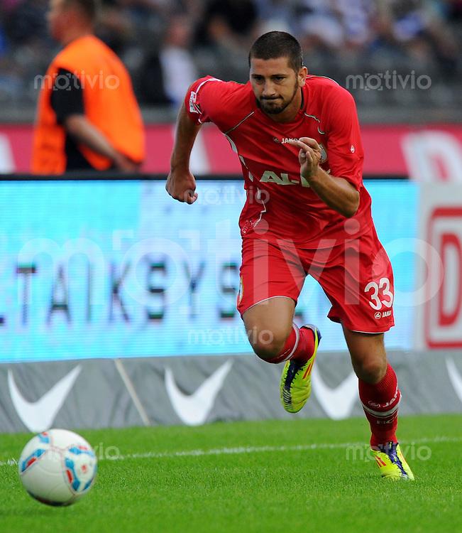 17. September 2011: Berlin, Olympiastadion: Fussball 1. Bundesliga, 6. Spieltag: Hertha BSC - FC Augsburg: Augsburgs Sascha Moelders am Ball.