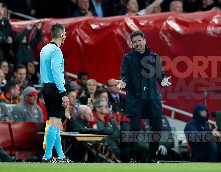 Atletico's Diego Simeone appeals to the linesman and  gets sent off during the Europa League Semi Final 1st Leg, match at the Emirates Stadium, London. Picture date: 26th April 2018. Picture credit should read: David Klein/Sportimage