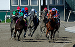 September 21, 2019 : The horses come around the turn in the Plum Pretty Stakes during Pennsylvania Derby Day at PARX Racing and Casino in Bensalem, Pennsylvania. Sydney Serio/Eclipse Sportswire/CSM
