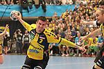 Rhein Neckar Loewe Andy Schmid (Nr.2) setzt sich durch beim Spiel in der Handball Champions League, Rhein Neckar Loewen - HBC Nantes.<br /> <br /> Foto &copy; PIX-Sportfotos *** Foto ist honorarpflichtig! *** Auf Anfrage in hoeherer Qualitaet/Aufloesung. Belegexemplar erbeten. Veroeffentlichung ausschliesslich fuer journalistisch-publizistische Zwecke. For editorial use only.