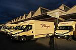 Planzer Paket, centre de tri à Genève avec Romain à travares la ville. genève juillet 2020