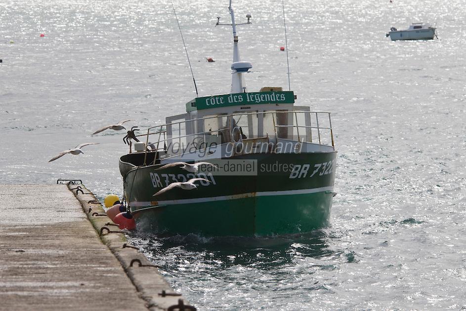 Europe/France/Bretagne/29/Finistère/Plouguernau: Le bateau du  goémonier Jacky Galliou baptisé : Côte des légendes, au retour au port
