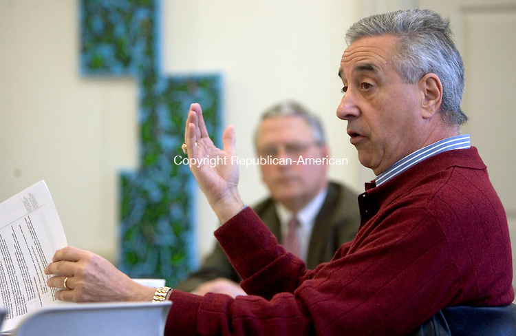 SOUTHBURY CT. 24 February 2014-022414SV02-John Monteleone, selectman, heads a meeting of a taskforce trying to determine uses for the basement of the Southbury Public Library at the library in Southbury Monday. <br /> Steven Valenti Republican-American