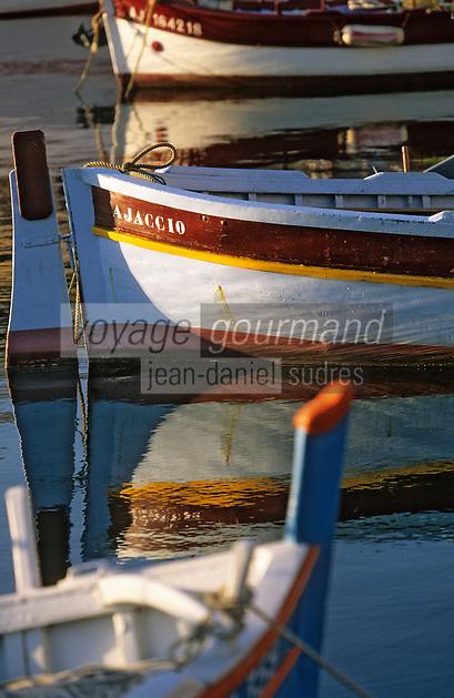 France/Corse/Corse-du-Sud/2A/Ajaccio; Pointus sur le port de pêche