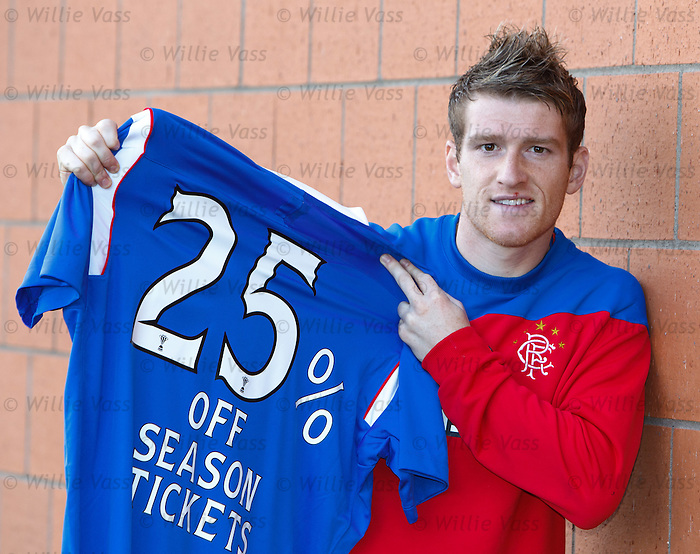 Steven Davis in season tickets promotion