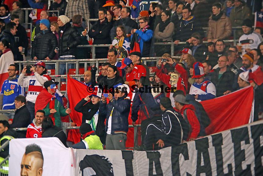 Chilenische Fans freuen sich auf das Länderspiel - Deutschland vs. Chile, Mercedes-Benz Arena Stuttgart