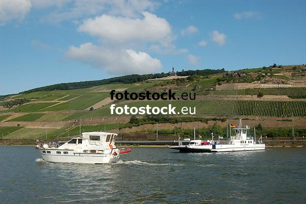 """Autofähre """"Stadt Rüdesheim"""" von Bingen am Rhein nach Rüdesheim (Rheingau)"""