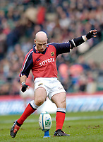 2004/05 Heineken_Cup, NEC,Harlequins vs Munster, RFU Twickenham,ENGLAND:.Munster's, Paul Burke king a first half conversion..Photo  Peter Spurrier. .email images@intersport-images.com...
