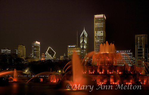 Chicago's Buckingham Fountain at Night