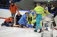 SCHAATSEN: HEERENVEEN: 25-10-2014, IJsstadion Thialf, Marathonschaatsen, De KPN Marathon Cup in de Eerste Divisie is al na drie ronden gestopt na een ernstige val van Martin van de Pol, Martin van de Pol heeft in de nacht van zaterdag op zondag een zes uur durende operatie ondergaan in het Universitair Medisch Centrum Groningen,<br />  &copy;foto Martin de Jong