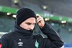 01.12.2019, Volkswagen Arena, Wolfsburg, GER, 1.FBL, VfL Wolfsburg vs SV Werder Bremen<br /> <br /> DFL REGULATIONS PROHIBIT ANY USE OF PHOTOGRAPHS AS IMAGE SEQUENCES AND/OR QUASI-VIDEO.<br /> <br /> im Bild / picture shows<br /> Sebastian Langkamp (Werder Bremen #15) <br /> bei Ankunft im Stadion, <br /> <br /> Foto © nordphoto / Ewert