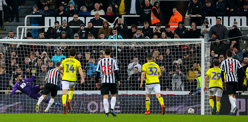 Newcastle United's Matt Ritchie scores his side's equalising goal from the penalty spot<br /> <br /> Photographer Alex Dodd/CameraSport<br /> <br /> Emirates FA Cup Third Round - Newcastle United v Blackburn Rovers - Saturday 5th January 2019 - St James' Park - Newcastle<br />  <br /> World Copyright © 2019 CameraSport. All rights reserved. 43 Linden Ave. Countesthorpe. Leicester. England. LE8 5PG - Tel: +44 (0) 116 277 4147 - admin@camerasport.com - www.camerasport.com