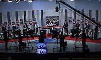 ATENCAO EDITOR FOTO EMBARGADA PARA VEICULO INTERNACIONAL - SAO PAULO, SP , 24 DE SETEMBRO 2012 - DEBATE TV GAZETA - Os candidatos a prefeitura da cidade de Sao Paulo,  durante debate do primeiro turno da tv Gazeta na noite desta segunda-feira, 24 na sede da tv na avenida Paulista. FOTO: VANESSA CARVALHO / BRAZIL PHOTO PRESS.