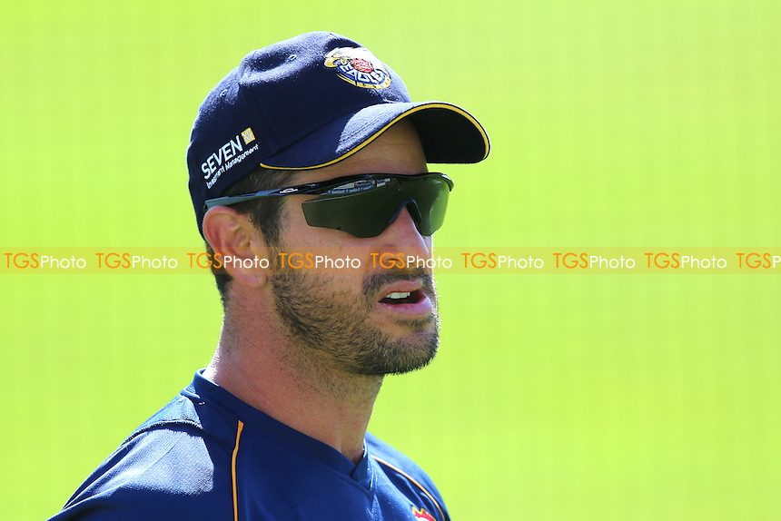 Ryan ten Doeschate of Essex ahead of Essex CCC vs Gloucestershire CCC, Specsavers County Championship Division 2 Cricket at the Essex County Ground on 13th April 2016