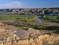 NDTR_111 - USA, North Dakota, Theodore Roosevelt National Park, Valley of the Little Missouri River with sedimentary hills rising in the distance, from River Bend Overlook, North Unit.