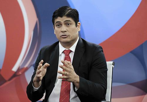Carlos Alvarado, el exministro que busca la continuidad del cambio. EFE