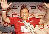 SAO PAULO, SP, 17 DE FEVEREIRO 2012 - CAMAROTE BAR BRAHMA - Milton Neves  é visto no Camarote Bar Brahma, no primeiro dia de desfiles do Grupo Especial do Carnaval de Sao Paulo, na noite desta sexta, 17 no Sambodromo do Anhembi regiao norte da capital paulista. (FOTO: UINY MIRANDA - BRAZIL PHOTO PRESS).