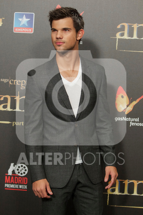 Taylor Lautner during the premiere of The Twilight Saga: Breaking Dawn. November 15, 2012. (ALTERPHOTOS/Alvaro Hernández)