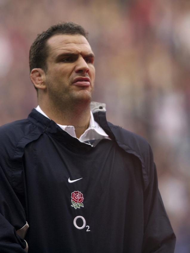 Photo: Richard Lane..England v New Zealand. Investec Challenge at Twickenham. 09/11/2002..Martin Johnson