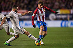 Antoine Griezmann of Atletico de Madrid battles for the ball with Daniel Carvajal Ramos of Real Madrid during their La Liga match between Atletico de Madrid and Real Madrid at the Vicente Calderón Stadium on 19 November 2016 in Madrid, Spain. Photo by Diego Gonzalez Souto / Power Sport Images
