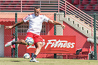 SÃO PAULO, SP, 19.08.2015 - FUTEBOL-SÃO PAULO -  Luis Fabiano durante treino do São Paulo Futebol  no Centro de Treinamento da Barra Funda, na manhã desta quarta-feira, 19. (Foto: Adriana Spaca/Brazil Photo Press)
