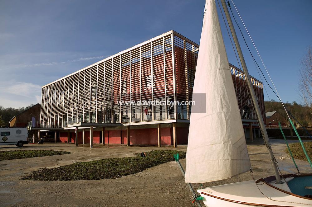 Inauguration du parc nautique de l'Ile de Monsieur à Sèvres, France, 1 decembre 2007.