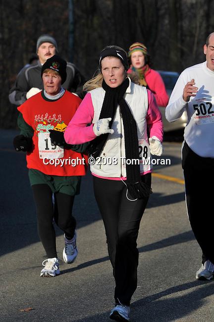 Reindeer Romp 4K Race, Louisville, KY 13 December 2008 Photo by Tom Moran