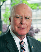 United States Senator Patrick Leahy (Democrat of Vermont), Chairman, U.S. Senate Judiciary Committee makes a statement to the press after he met with U.S. President Barack Obama and other bipartisan leaders of the Senate in the Oval Office to discuss the Supreme Court vacancy left by the retirement of Justice Stevens in Washington, D.C. on Wednesday, April 21, 2010. .Credit: Ron Sachs / Pool via CNP