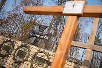 """Auf dem Gelaende des Einsatzfuehrungskommando der Bundeswehr, der Henning-von-Tresckow-Kaserne bei Potsdam, wurde ein Ehrenhain zum Gedenken an die im Einsatz verstorbenen Bundeswehrangehoerigen eingerichtet. In diesem """"Wald der Erinnerunge"""" sind die Gedenkhaine aus den Einsatzgebieten der Bundeswehr errichtet worden. Zum Teil originalgetreu nachgebildet von den Orten in denen die Bundeswehr eingesetzt war und Angehoerige verstorben sind.<br /> Im Bild: der Ehrenhain OP-North/Afghanistan.<br /> 14.11.2014, Potsdam<br /> Copyright: Christian-Ditsch.de<br /> [Inhaltsveraendernde Manipulation des Fotos nur nach ausdruecklicher Genehmigung des Fotografen. Vereinbarungen ueber Abtretung von Persoenlichkeitsrechten/Model Release der abgebildeten Person/Personen liegen nicht vor. NO MODEL RELEASE! Don't publish without copyright Christian-Ditsch.de, Veroeffentlichung nur mit Fotografennennung, sowie gegen Honorar, MwSt. und Beleg. Konto: I N G - D i B a, IBAN DE58500105175400192269, BIC INGDDEFFXXX, Kontakt: post@christian-ditsch.de<br /> Urhebervermerk wird gemaess Paragraph 13 UHG verlangt.]"""